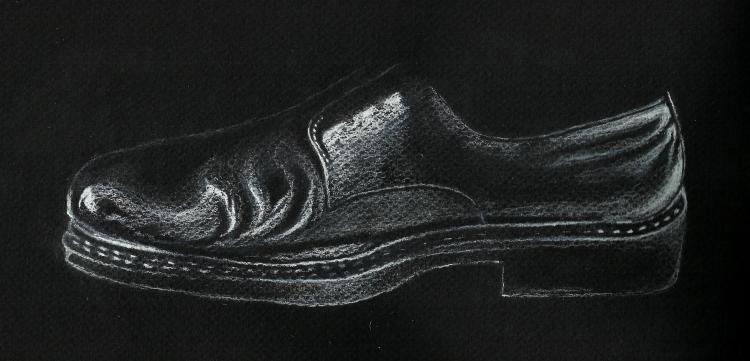 Zapato al pastel, con cartulina negra.