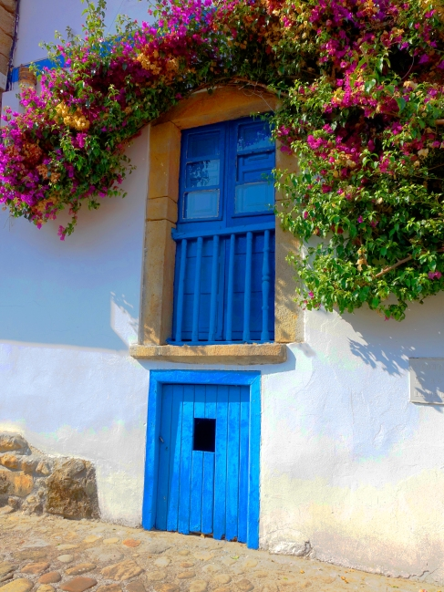 Balcon con puerta (Tazones)