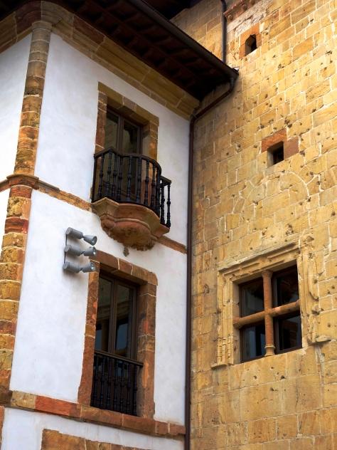 Balcon y ventana  (Oviedo)