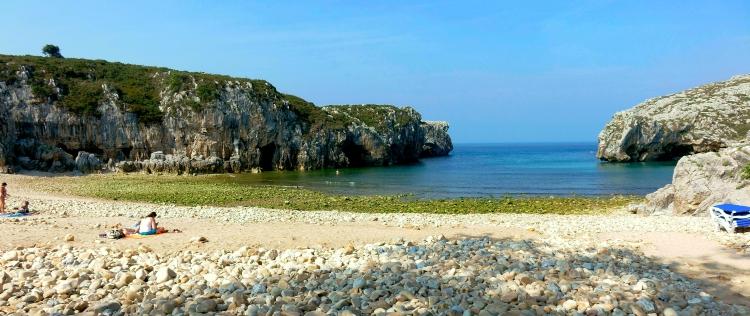 Playa Cuevas del Mar (Nueva de Llanes)