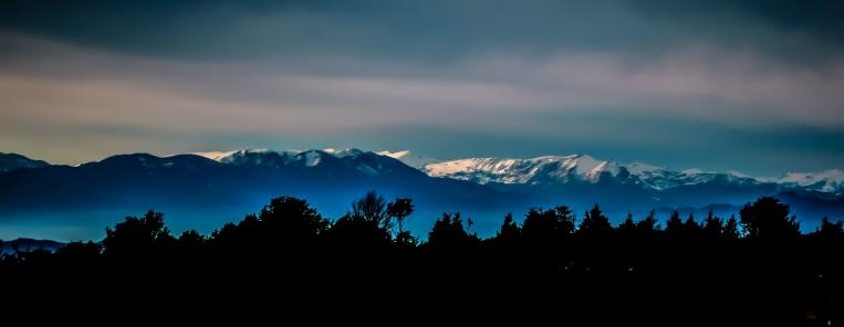 Montañas nevadas a