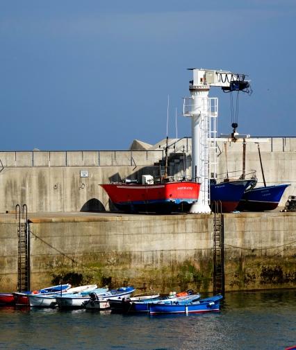 Grúa puerto de Tazones