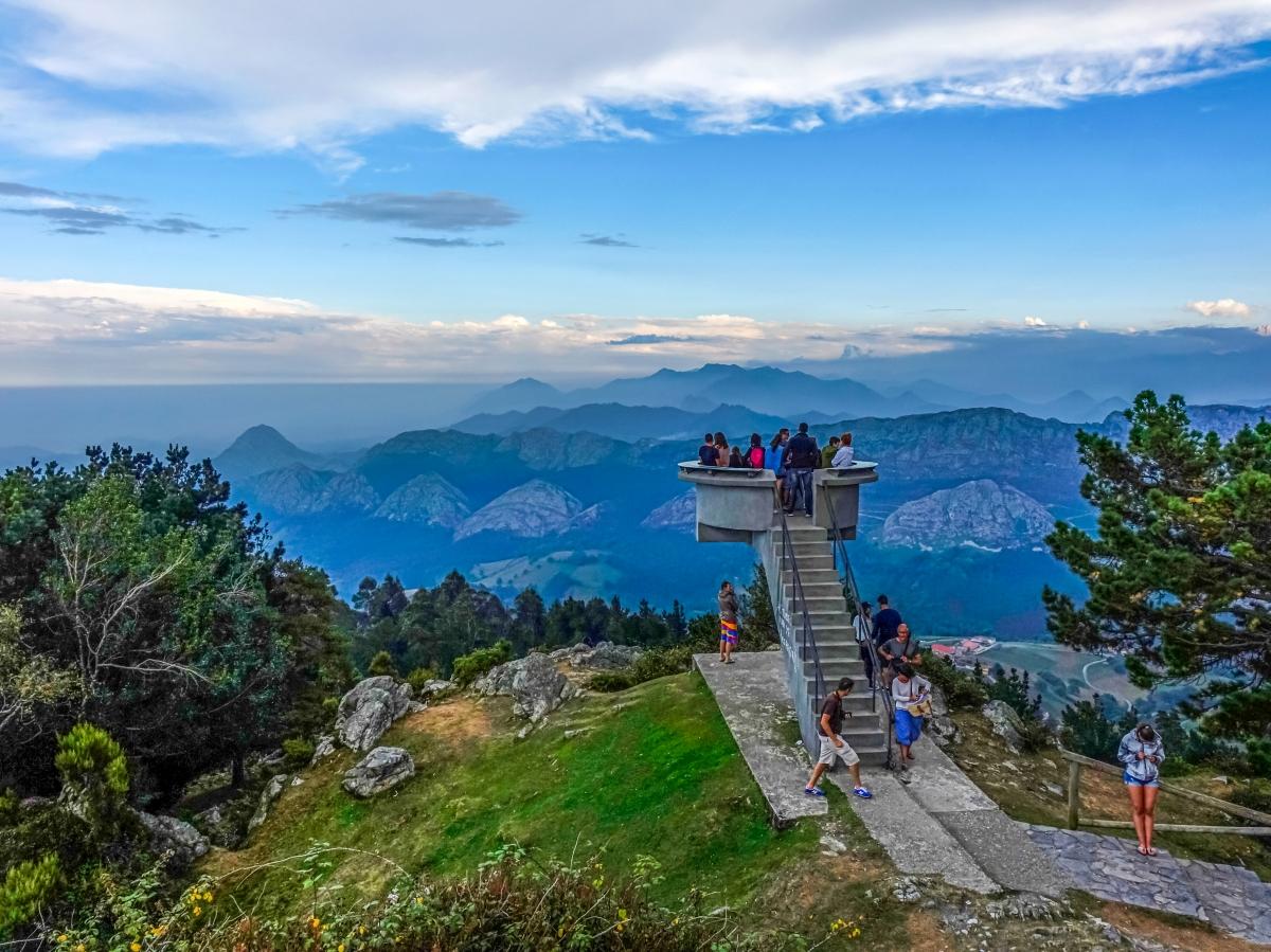 Mirador del Fito,  Asturias postrada a nuestros pies