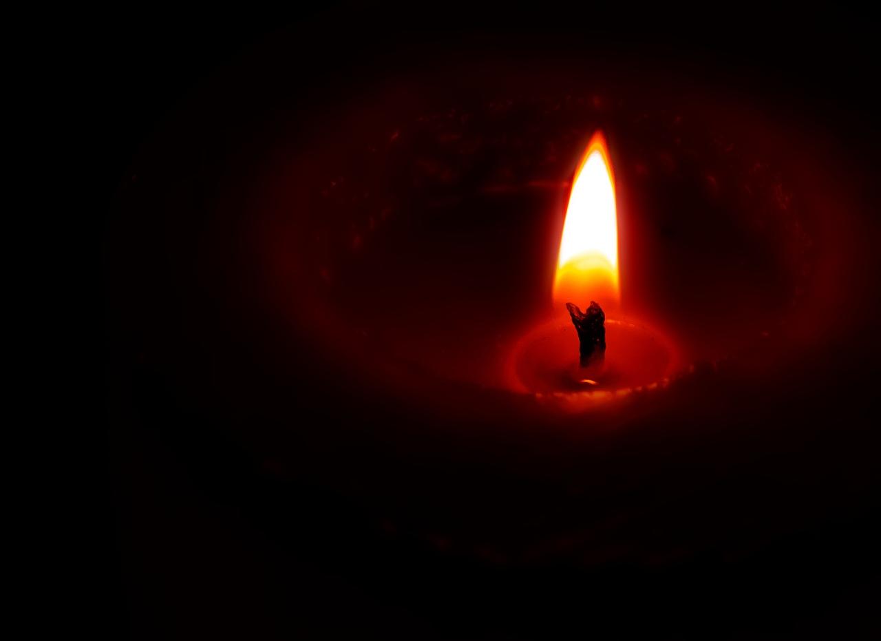 Es mejor encender una pequeña luz que maldecir la oscuridad….