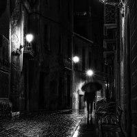 Vic, reflejos y sombras empapados de fina lluvia