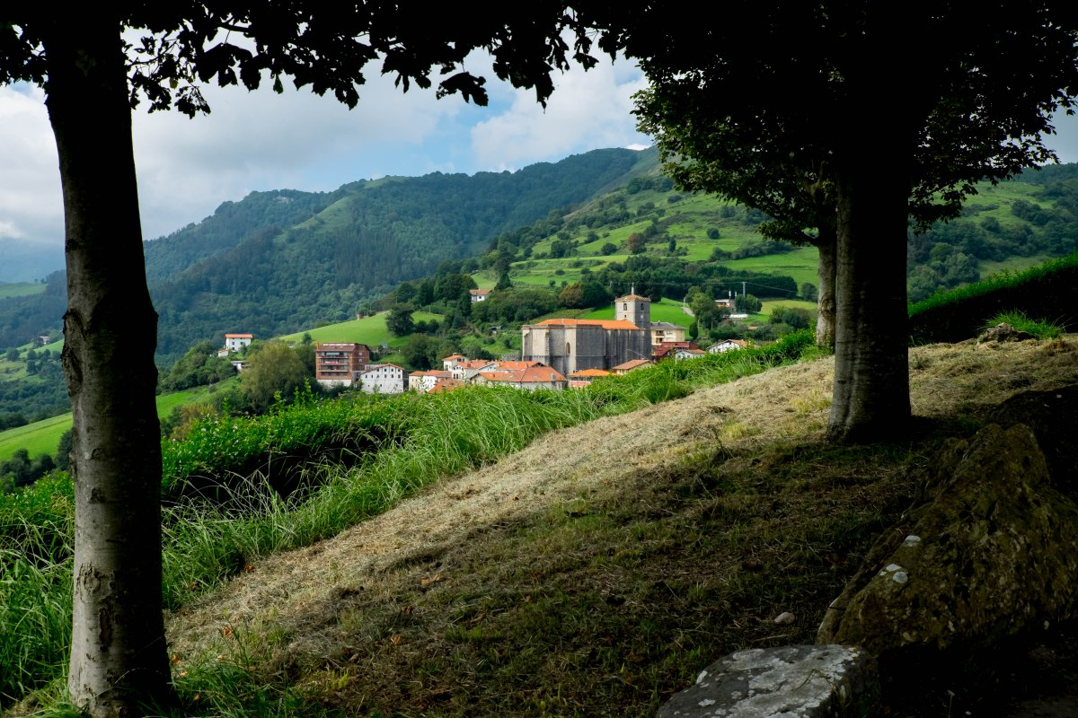 Aia, donde crecen los viñedos de Carlos Arguiñano