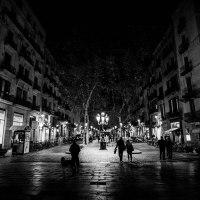 Buscando la noche por las calles de Barcelona