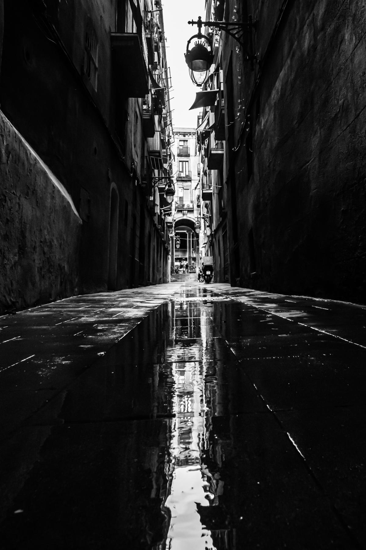 Por los alrededores del Mercat de la Boquería,Barcelona